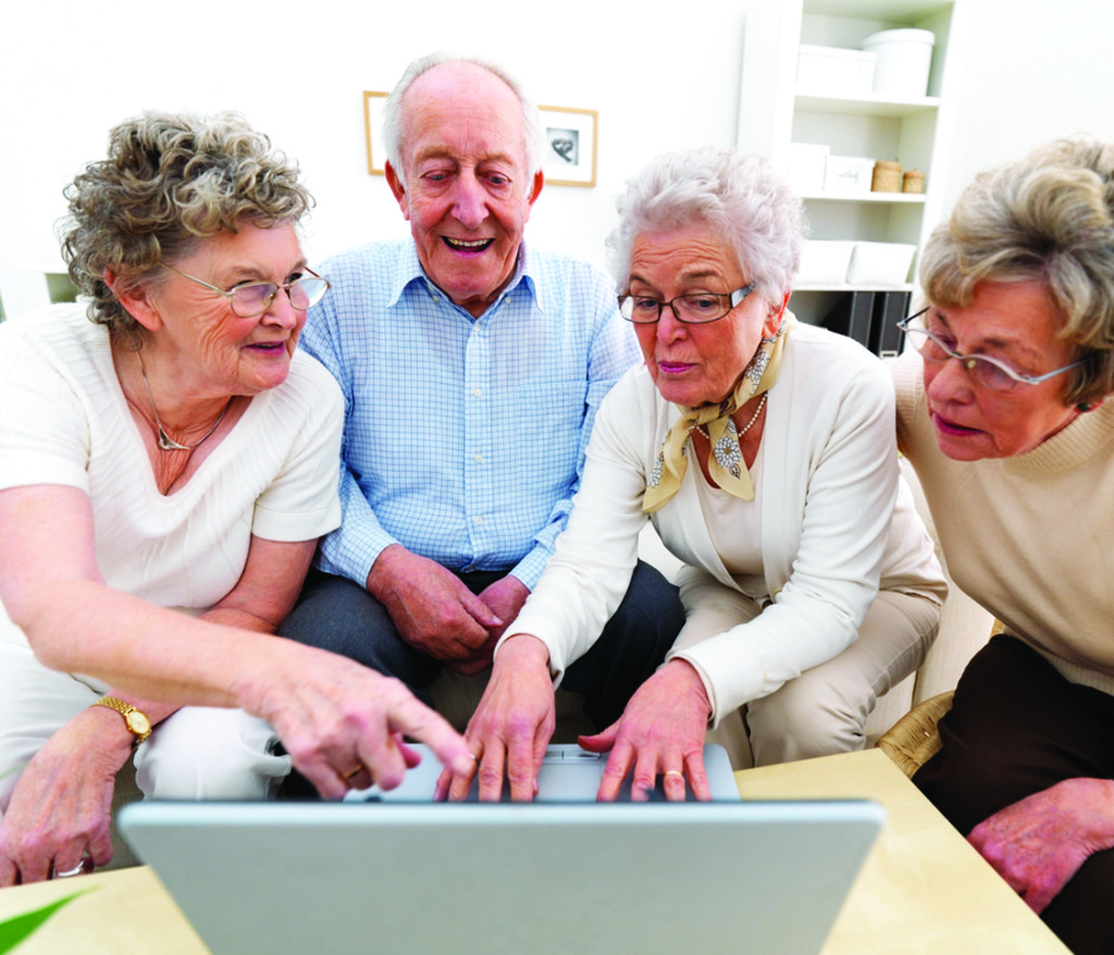 elderly-people-on-computer5